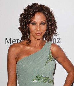 holly-robinson-peete-26th-anniversary-carousel-of-hope-ball-02